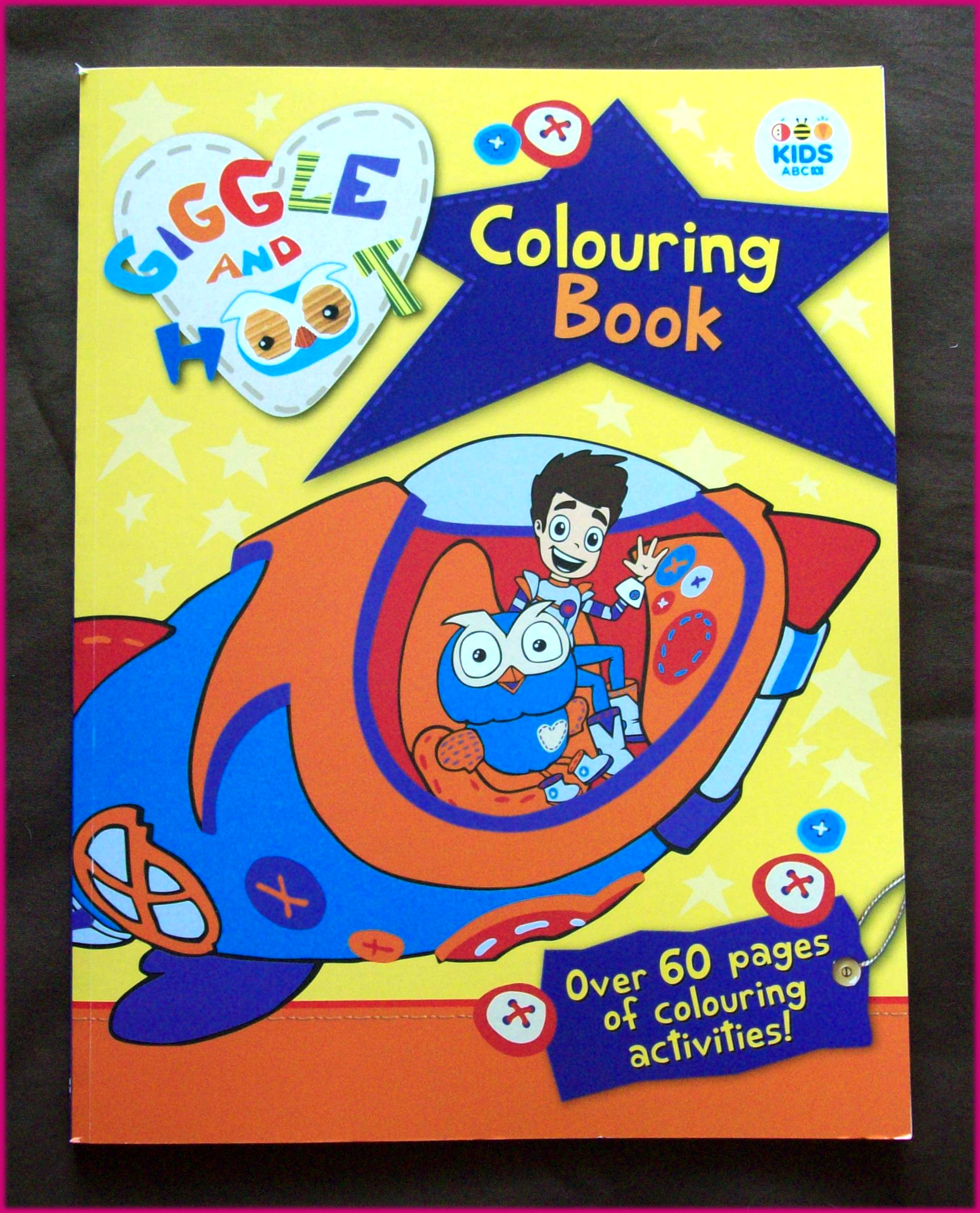 GIGGLE AND HOOT ACTIVITY COLOURING IN BOOK